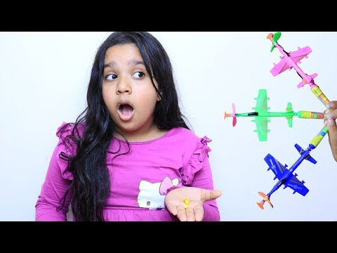 shfa learn color with Airplane toy candy  - Kinderlieder und lernen Farben