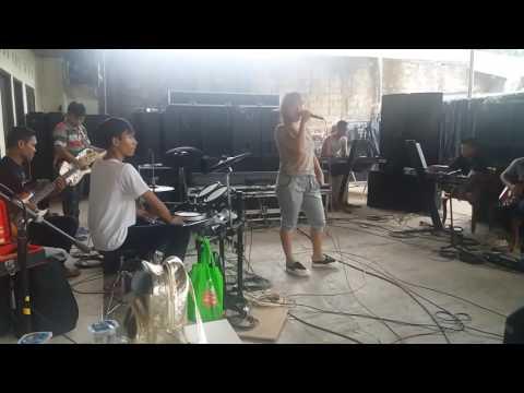 Latihan SK GROUP - LIEA OWYEAH - kau asing di mataku (losetia.collections)
