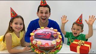 Sofia is preparing a birthday present for dad!!