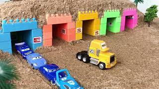 01 Toys Play for Kids & Children   Disney Cars in Garage Toy