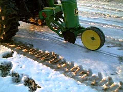 John Deere One Row Food Plot Planter Youtube