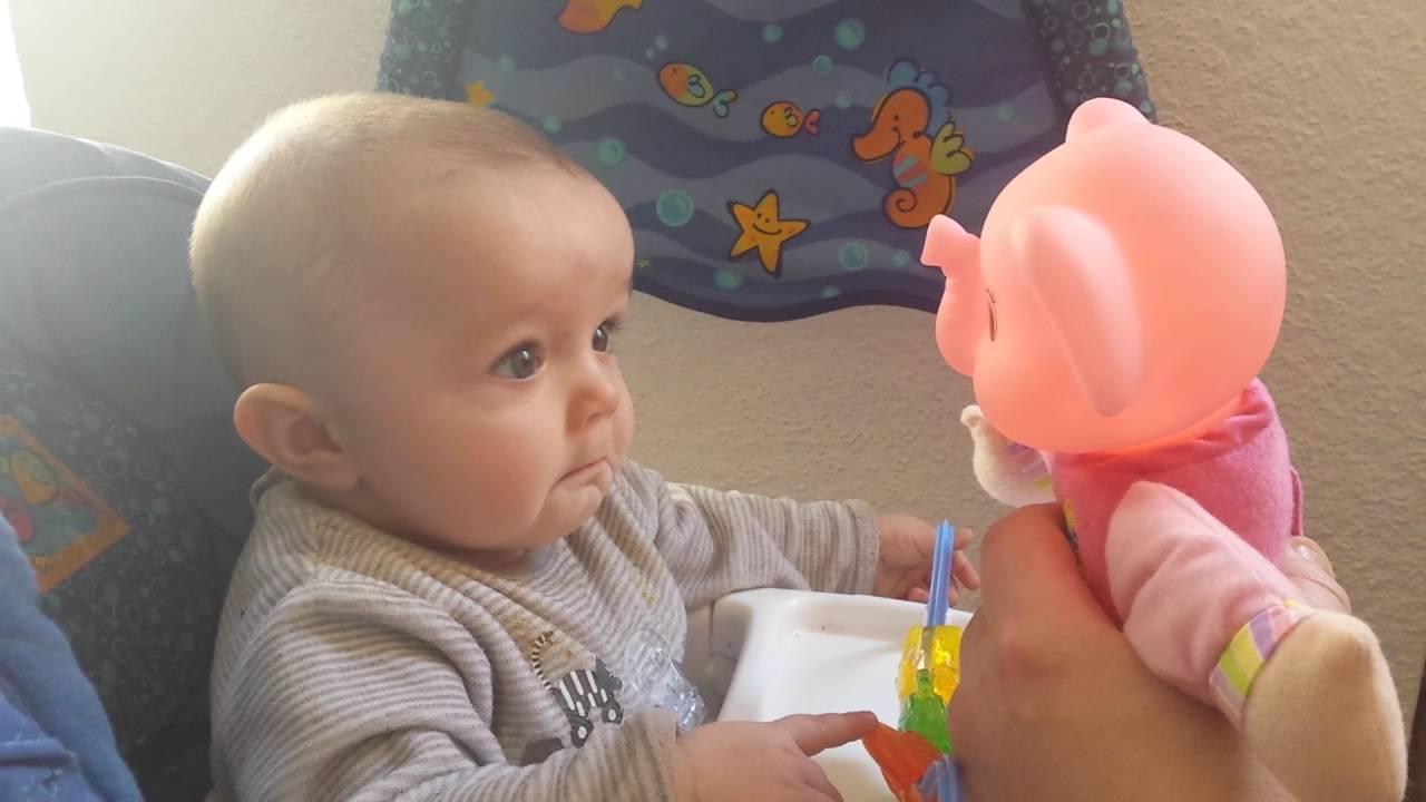 Baby crying (Bébé qui pleure) - YouTube