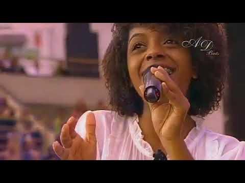 Kemilly Santos na AD Brás   10° Congresso de Missões