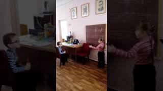 Поки мама займалася на роботі документацією, діти грали в рольові ігри.)))