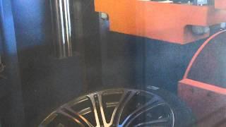 Тест на удар литых дисков BMW W670 (обод) от WSP Italy(Официальное представительство в России: http://wspitaly.ru Тест на удар модели W670 M3 LUXOR от WSP Italy. Одно из самых сложны..., 2015-02-06T10:02:54.000Z)