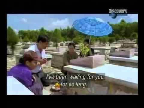 Cô Năm Nghĩa tìm mộ liệt sỹ. Phóng sự của BBC 2006.