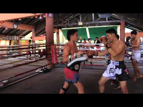 "Johnny Nguyen from ""Tom Yam Koong"" training at Fairtex"