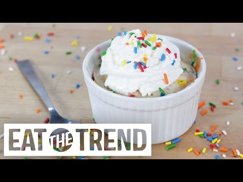 Make This Fluffy Funfetti Cake in Just 5 Minutes!