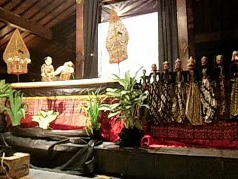 wayang golek menak dalang Ki Gondho Suharno di Tembi Rumah Budaya Yogyakarta