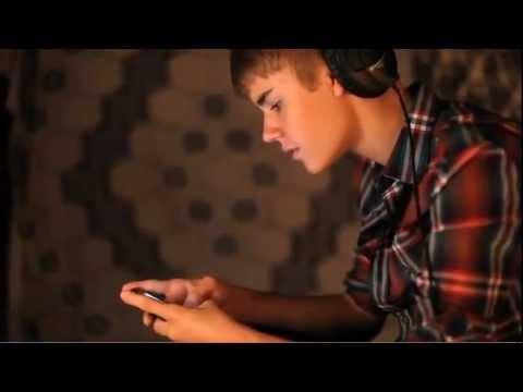 Justin Bieber - Boyfriend (official video)