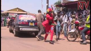 Ebbinu ly'okulayira: Abawagizi ba Bobi Wine bamulaze essanyu