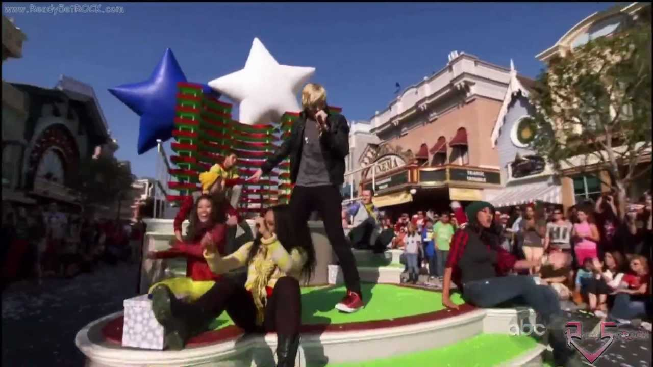 Christmas Day Parade.Disney Parks Christmas Day Parade 2012 Ross Lynch Christmas Soul Hd