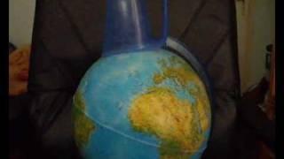 Тома ( and Koko6ka продъкшънс) - Пластмаса(Песента с най-тъп текст - Пластмаса: Пластмаса... тя не гние, всичко може да покрие! Пластмаса... тя е нещо,..., 2009-07-02T07:41:16.000Z)