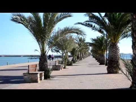 Murcia, San-Pedro. Promenade in December
