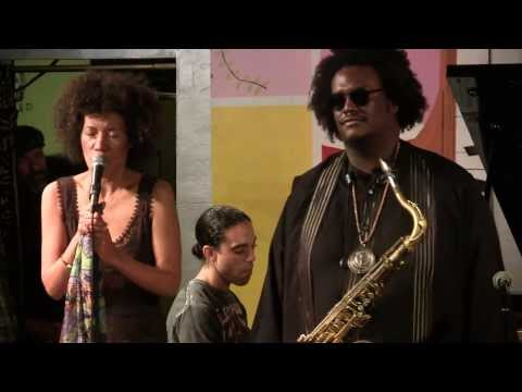 The Rhythm Changes - Kamasi Washington &...