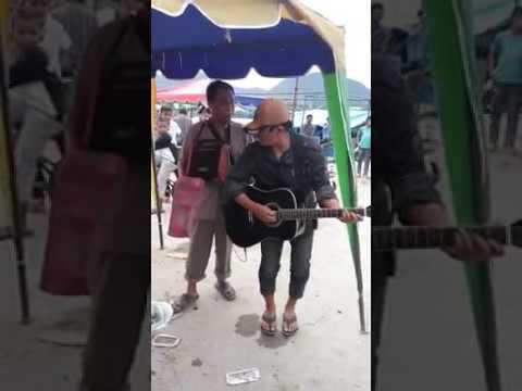 KEREN ABISS!! Dang Penghianat Au Permata Trio Cover by Street Performer
