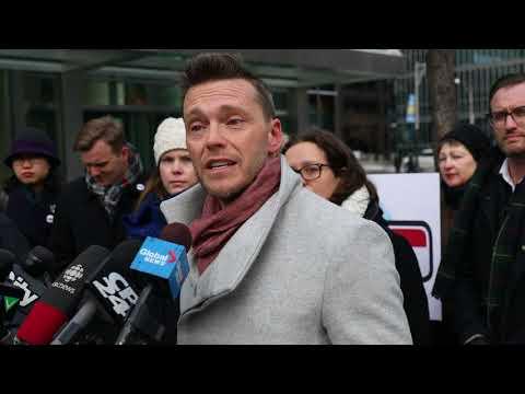 Torontonians show their support of King Street pilot