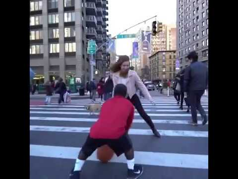 4'5 Mani Love breaks women's ankles in NYC