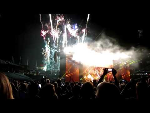 Paul McCartney   Live and Let Die clip   7/12/2016