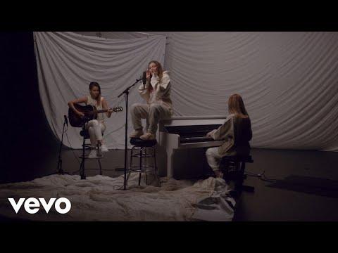 KAROL G – Ay, DiOs Mío! (Acoustic)