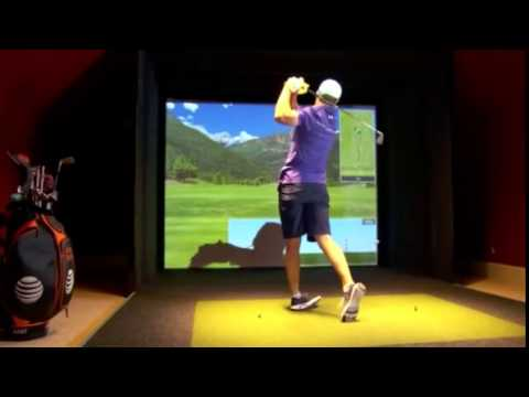 Jordan Spieth plays E6 Golf Simulator by Trugolf