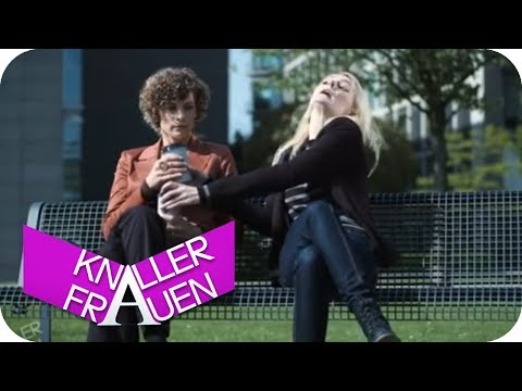 Zu viel Zucker [subtitled] | Knallerfrauen mit Martina Hill