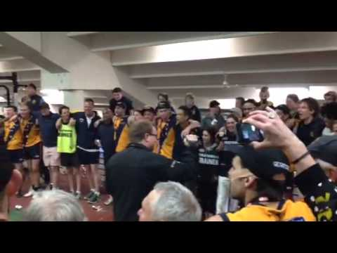 Strathmore sings its theme song after 2014 EDFL premiership win