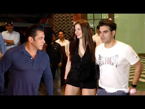 Arbaaz Khan's GRAND ENTRY With New Gf In Front Of Salman Khan At Arpita Khan's House Party