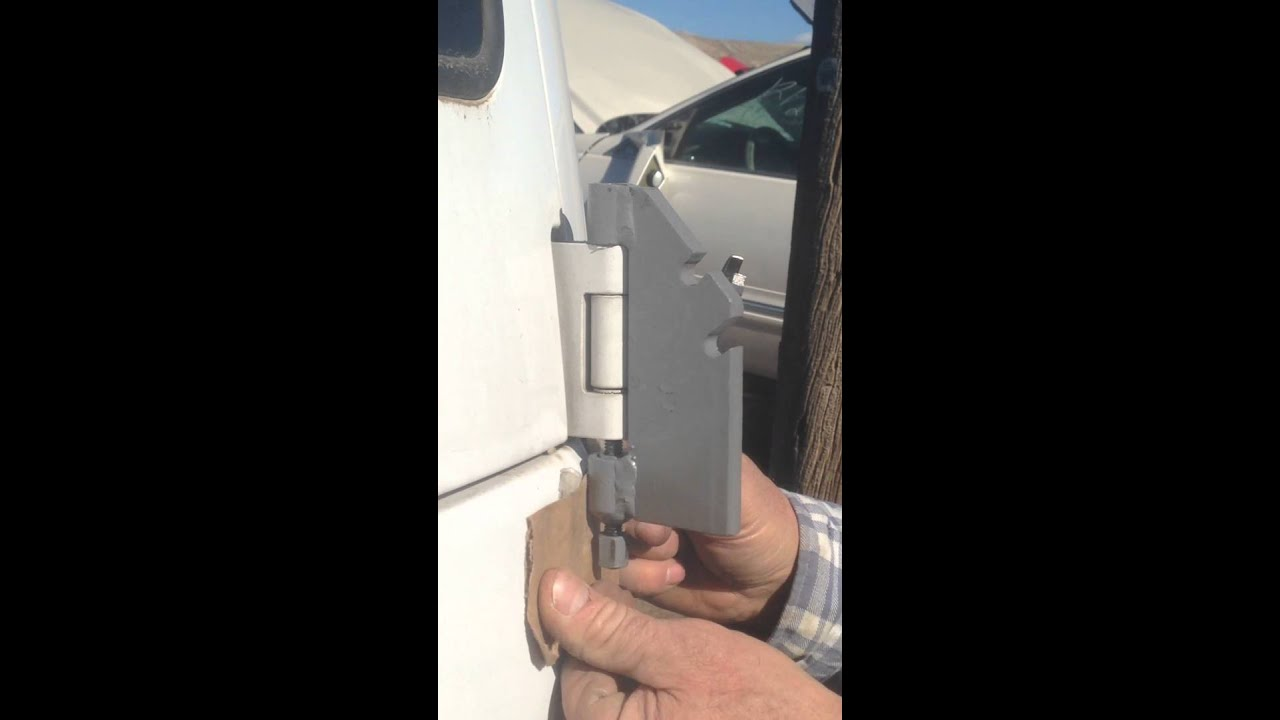 How To Remove Rear Barn Doors On Chevy Astro And Safari Vans