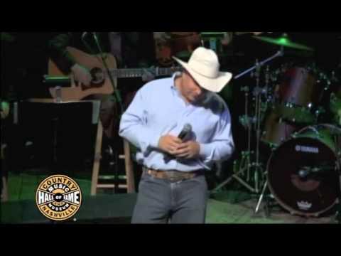 Reba Country Music Hall of Fame