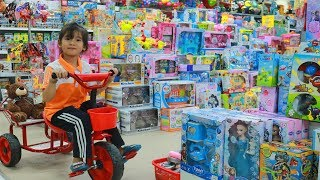 Funny Annie Baby Shopping in Toy Store Indoor Playground for Children Supermarket Nursery Rhymes Sog