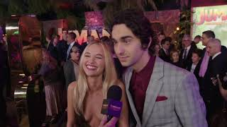Jumanji Welcome To The Jungle Premiere LA - Itw Madison Iseman abd Alex Wolff (official video)