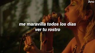 Miley Cyrus - Just Breathe // Español | Backyard Sessions
