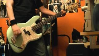 Blink 182 Not Now Bass Cover New Mark Hoppus Bass! 2011