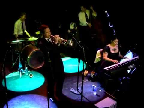 Davina and the Vagabonds - Hey Good Lookin'