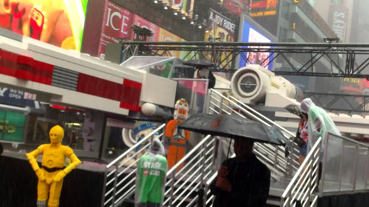 Lego Star Wars X-wing In Times Square Ny - Life Size