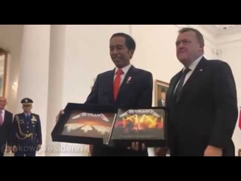 Prime Minister of Denmark gave the president of Indonesia an autographed box set of Metallica