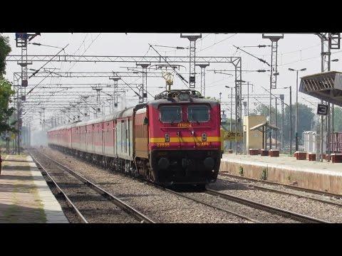 WAP4 - RAJDHANI EXPRESS Hitting 130 Kmph - Indian Railways !!