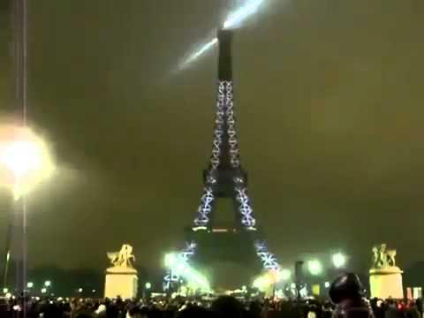 2013 happy new year celebration in paris eiffel tower 2013