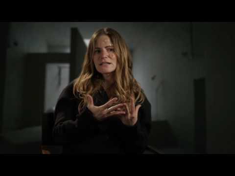 "Morgan: Jennifer Jason Leigh ""Dr. Kathy Grieff"" Behind the Scenes Movie Interview"