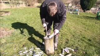 How to make a wooden peg using an axe