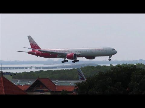 Landing Ngurah Rai Airport Bali, Rossiya  Boeing 777-31H ER EI-GFA Rute Moscow - Denpasar SU6295