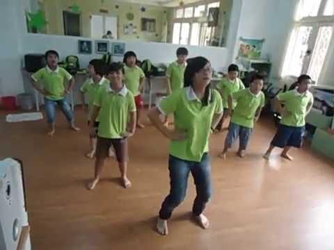 IDO múa dân vũ Thái Lan (dân vũ Té nước)