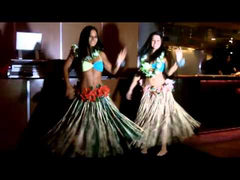 MELE NO LILO AND POLYNESIAN PERFORMANCE AT THE ISLAND NIGHT
