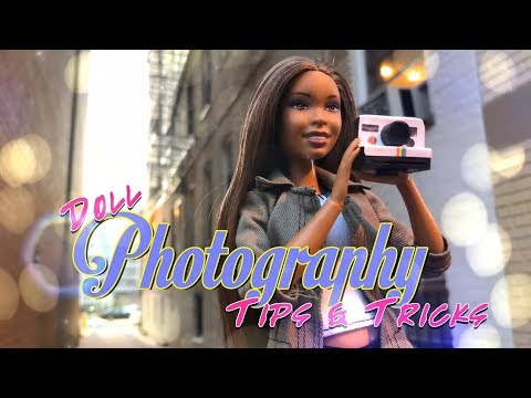 The Frog Vlog: Doll Photography Tips & Tricks | Low Light Photo Shoot in the City