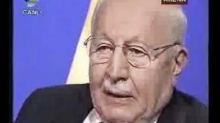 27 Prof  Dr  NECMETTİN ERBAKAN   KANAL D ARENA PROGRAMI SP   28 11 2002   2 CD clip1