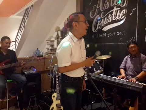 Olesio #asiacousticband live asia seafood tower
