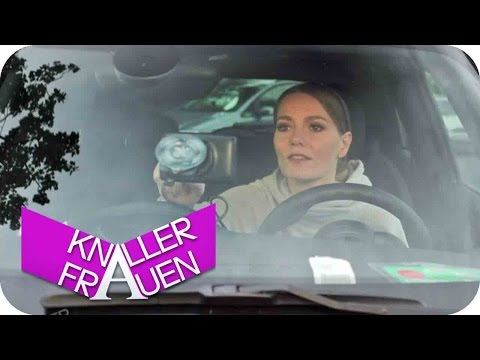 Navi [subtitled] | Knallerfrauen mit Martina Hill
