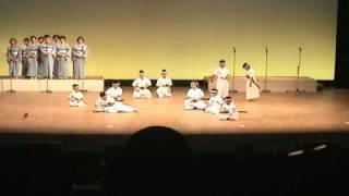 小笠剣詩舞会です。保育園から中学生まで、男女10人です。