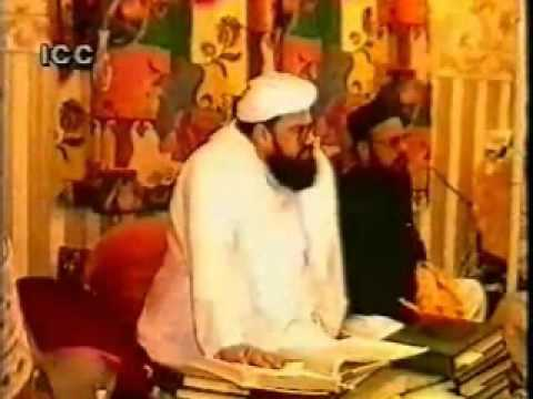 shiite versus sunni essay Sunni and shia the sunni and shia are two sects that are derived from the islam religion the major difference between the two and the reason that both do not necessarily get along is the true successor of the prophet muhammad as stated in the textbook, the shia sect originated as a party supporting the appointment of ali-a cousin and son.